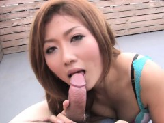 japanese-babe-blows-and-eats-cum