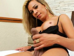glamour-shemale-pumped-her-cock-to-make-it-big-and-hard