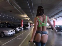bubble-butt-nympho-banging-in-the-airport-garage