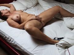met-this-hot-wife-from-sexymilfdate-net