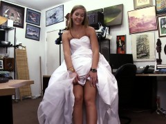 fucking-the-bride-in-wedding-dress