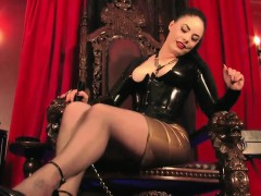 mistress-dominates-with-her-feet