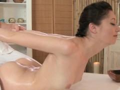 erotic-massage-fingering-from-europe-closeup