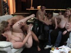 he-bangs-plumper-at-bbw-party