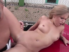 German Skinny Street Hooker get fuck Outside without Condom
