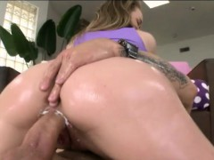 bubble-butt-girl-madison-chandler-rammed-by-massive-cock