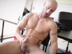 muscular-hunks-fucking-in-office