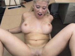lucky-pawnman-bangs-a-blonde-babe