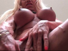 muscle-female-with-huge-clit-dildoing
