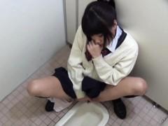 asian-schoolgirl-rubs-box