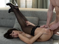 young-courtesans-a-special-anal-gift