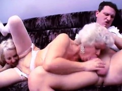 nasty-grannies-threesome