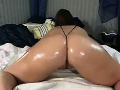 cam-slut-with-an-oiled-up-ass