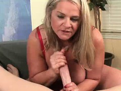 milf-likes-getting-her-face-blasted-with-salty-jizz