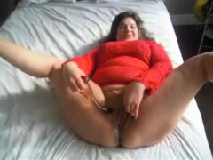 bbw-milf-releasing-a-small-river-of-juices