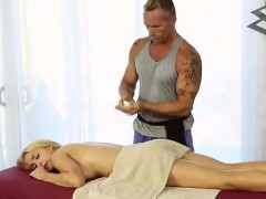massaging a beautiful massive boobed blondie alix lynx