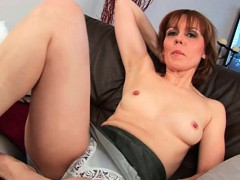 natural-milf-pussy-with-lots-of-hair