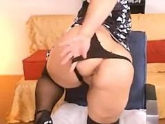 fat-granny-shows-her-tits