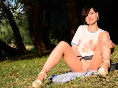 Jeny Smith Bottomless At Public Park