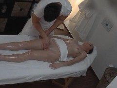 Czech Amateur Girl Surprised from Pussy Massage