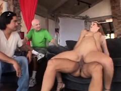 chubby wife tries anal sex from a stranger – فى غرفة النوم احلى نيك طيز