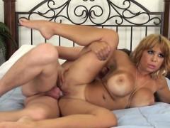 cumswallowing-alyssa-lynn-drilled-on-webcam