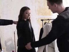 russian tries on clothes before fucked by two men – سكس روسي مثير مع فتاة نياكة جميلة جدا تحب الزب