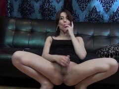 freshfaced-femboy-jerks-and-shows-ass-off