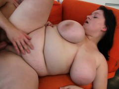 busty-bitch-gives-tits-job-then-gets-fucked