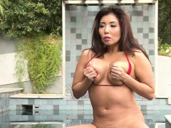 Asian babe in hot bikini
