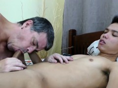 daddy-bareback-fucks-asian-boy-arjo