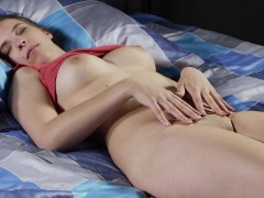 ideal-kitten-spreads-narrow-snatch-and-gets-deflorated