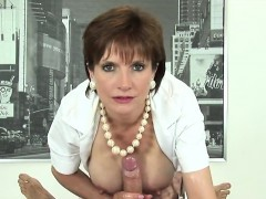 adulterous-uk-mature-lady-sonia-showcases-her-heavy-breasts