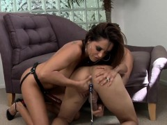 domina-gets-cum-facial