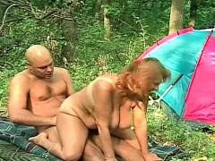 russian mature in the woods – سكس روسي نار مع شاب ينيك فتاة