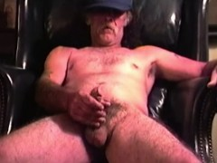 Mature Amateur Peter Jacking Off