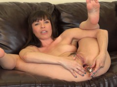 dana dearmond spreads her luscious legs and drills her tight backdoor hole