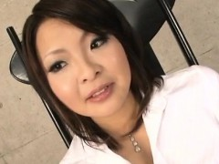 Reina Mizuki Kneels To Suck On A Juicy Cock In Pov Scenes