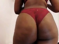 dark skinned hottie exposes her magnificent huge ass for t