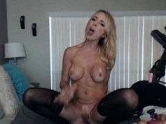 sexy milf webcam masturbation