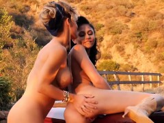 pornstar-nicole-aniston-and-ariana-outdoors