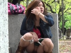 panties-asian-pee-street
