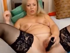 beauty-blonde-mature-masturbating-on-webcam