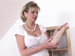 adulterous-british-mature-lady-sonia-showcases-her-big-tits
