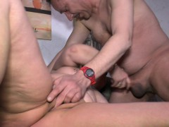 hausfrauficken-chubby-german-granny-gets-fucked-hardcore