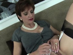 Unfaithful English Mature Lady Sonia Pops Out Her Giant Pupp