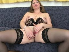sexy-mature-mother-needs-a-good-fu-jeanett-from-1fuckdatecom