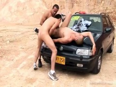 latin-barebacking-gay-threesome