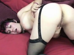 Horny Coed Raven Is Playing With Her Sweet Teen Twat