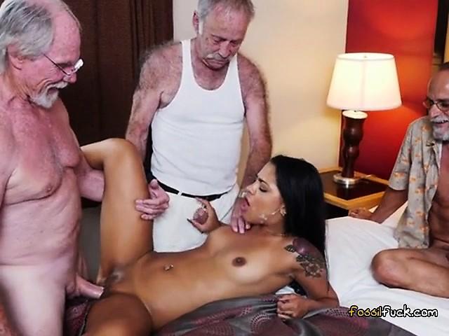 Порно старик франция